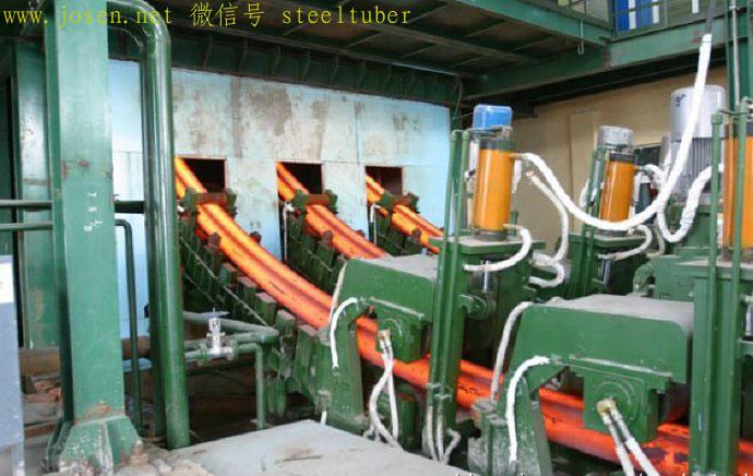 连铸机效率高,可以设计同步生产3—8根方坯.jpg