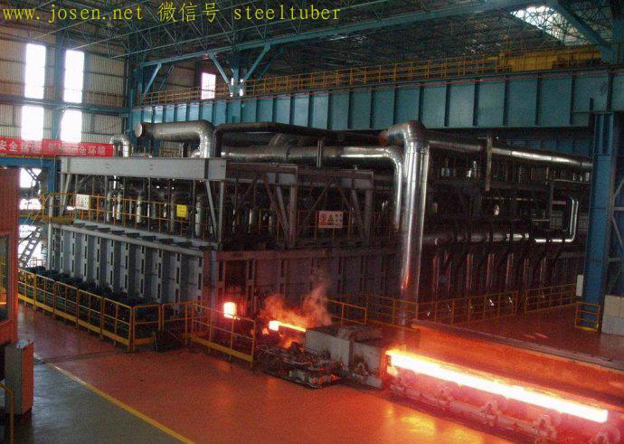 钢坯再加热到接近1000度.jpg