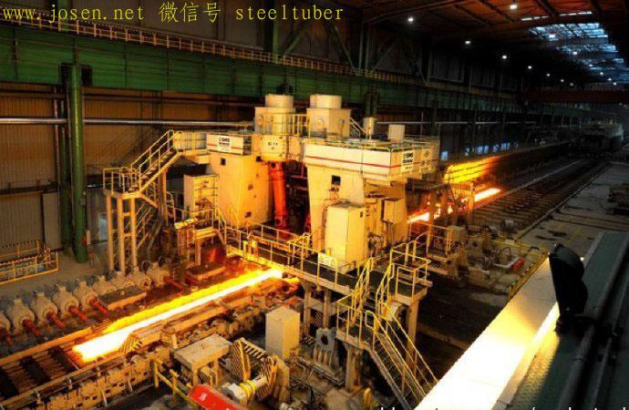 首钢京唐钢铁公司2250热连轧机在生产卷板.jpg